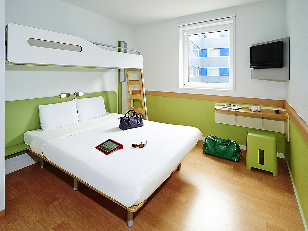 Hotel ibis budget beaune for Design hotel des francs garcons